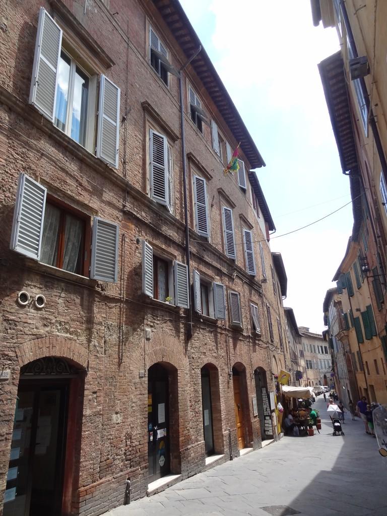 Gåtur i Sienas brogede gader